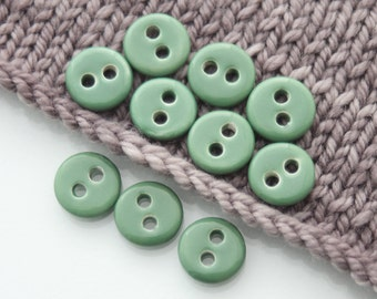 "10 Small Emerald Green Ceramic Buttons (15 mm / 0.6"")"