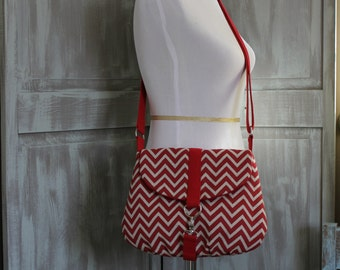 Chevron, Red and Tan: Crossbody/Shoulder Bag with Adjustable Strap