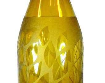 Custom Designed & Handmade Etched Wine Bottle For Home Chef's.  Makes for a perfect gift (Mother's Day)! Comes with a Pour Spout.