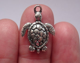 8 Turtle Charms Antique Silver SC161