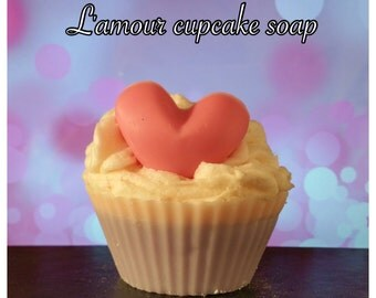 L'amour cupcake soap