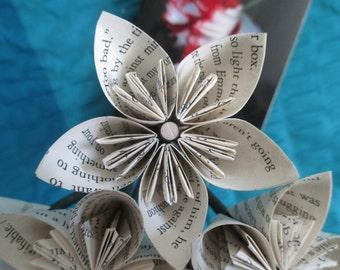 Twilight Saga: New Moon book page origami flowers-- Stephanie Meyer--birthday--vampire--Valentine's Day gift--anniversary..Christmas..friend
