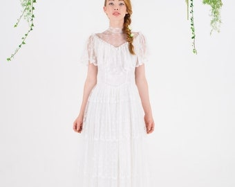 ON SALE ~ LILAH - 1970's vintage lace wedding dress