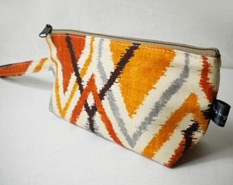 CLEARANCE SALE - Wristlet - Abstract geometric design