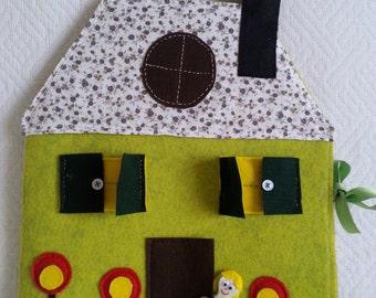 Felt Doll House - ePattern for a portable felt dollhouse with detachable furniture and dolls
