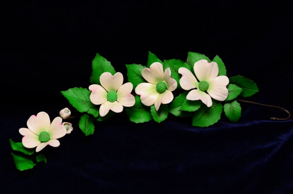 Gum Paste Dogwood Sugar Flower Spray With Leaves