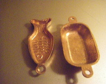 Copper pans or hanging molds pans  for 1/12 scale dollhouse or miniature setting