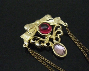 Bergere Red Crystal Rhinestone Golden Chain Brooch Pin Vintage