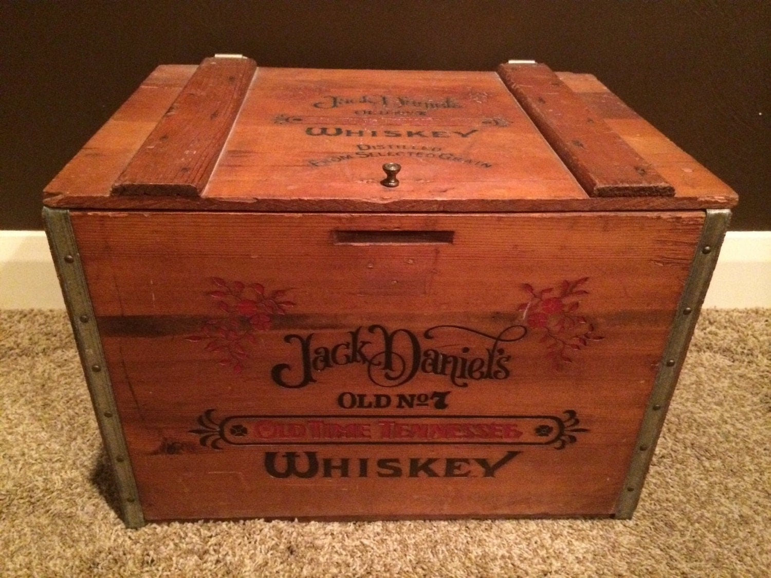 Jack daniels wood box wooden crates vintage antique whiskey for Where to find old wooden crates