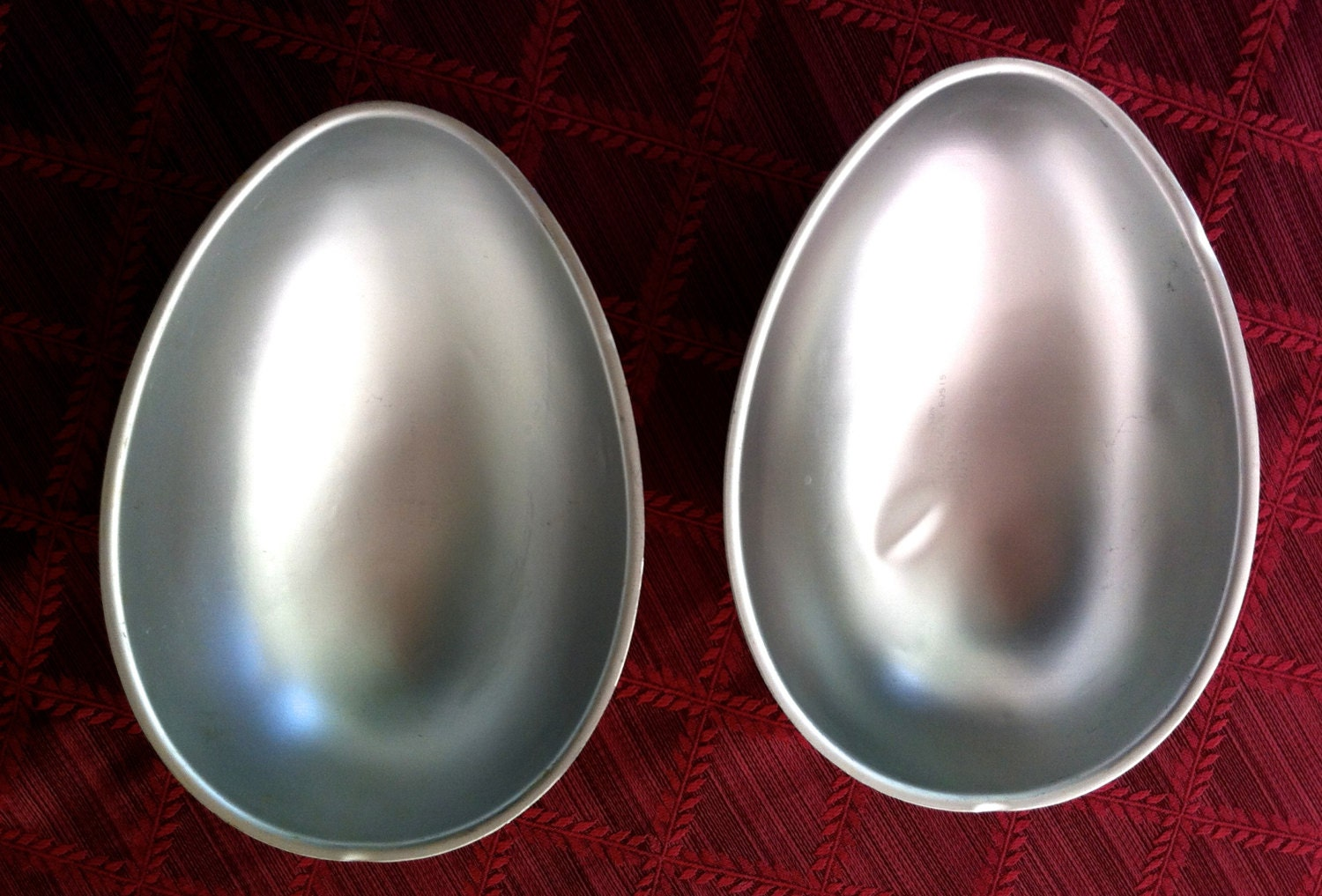 egg shaped cake pan
