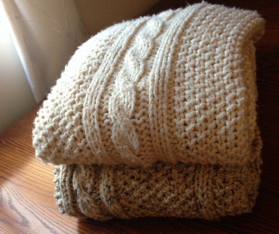 Chunky Cable Knit Blanket Small