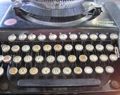 """Remington Portable No. 1 Type """"A"""" Typewriter 1921"""