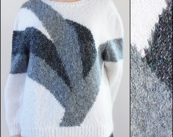 Womans vintage mohair sweater jumper black grey white fluffy cute jumper size small medium