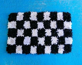 Black & White Checked Shaggy Rag Rug - 100 x 60cm