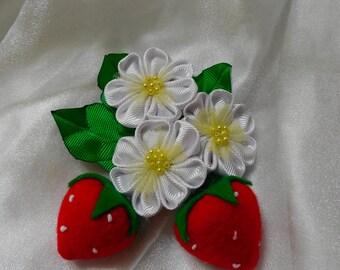 strawberries kanzashi