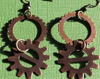 Gear dangle earrings