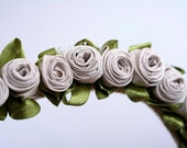 "Elegant necklace made of fabrics ""Roses"""