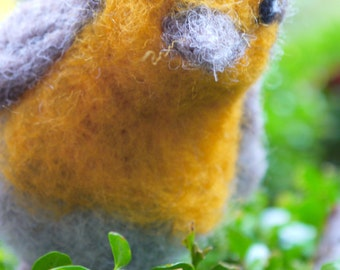 Needle felted bird, felt robin. Needlefelted animal, needlefelted bird. Felted bird, felt woodland animal. Woolfelt bird, easter decor