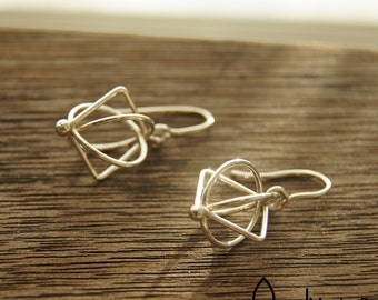 Square & Round wire earrings