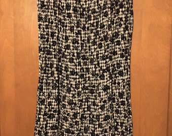 Coldwater Creek black and cream velvet flocked broomstick skirt in large.