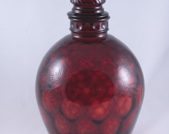 Wheaton Glass Ruby Red Glass Decanter in Honeycomb Pattern with Swirl Stopper