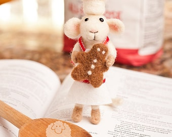 Gabriel the Gingerbread Baker - Needle Felted Mouse for Christmas with Gingerbread Man