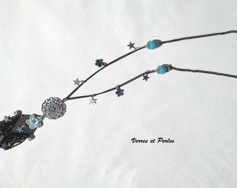 Pendant black diamond necklace and flower metal