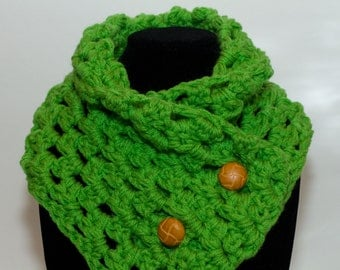 Spring Green Neck Warmer Scarf with Functional Wooden Buttons