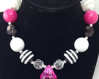 Hot pink and black chunky girls necklace