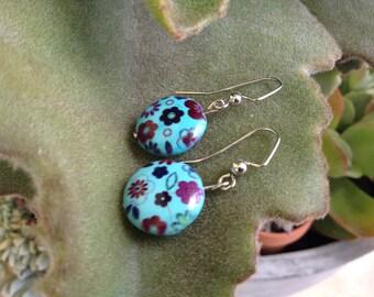Vintage style handmade stone flower dangle earrings. Simple yet elegant.