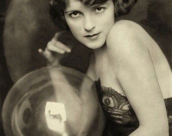 Alfred Cheney Johnston photo, Ziegfeld Girl with bubble, 1920-30s