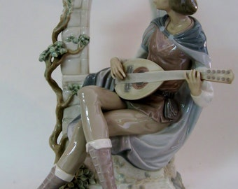 Lladró Sonata at Moonlight Figurine