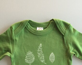 Pinecone Baby Romper - first Christmas - Green - LONG SLEEVES (0-3 months)