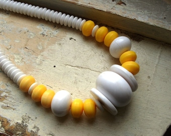 FREE SHIPPING Vintage White and Yellow Beaded Necklace