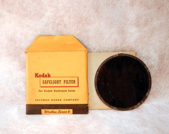 "Kodak 5.5"" (14cm) Wratten Series 8  photography darkroom lamp studio red gelatin filter and dark safelight glass original packaging"