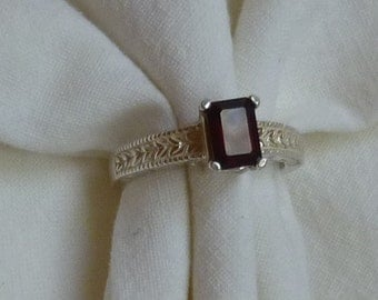 7mm x 5mm emerald cut 2 ct deep red garnet sterling silver ring size 7
