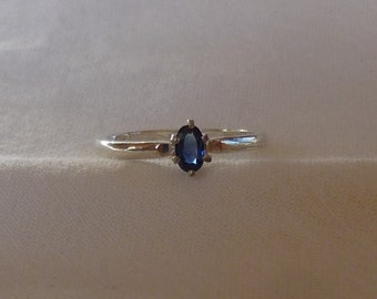 5mm x 3mm oval cut .35 ct blue sapphire sterling silver ring size 6