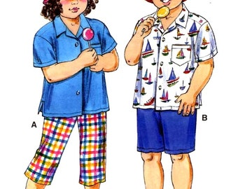 Casual toddler clothing shirts shorts hat pants resort wear sewing pattern Kwik Sew 3079 Sz T1 to T4 Uncut
