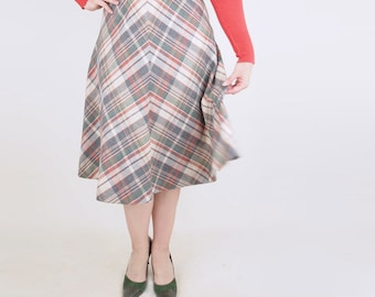 """Vintage Wool Blend Green, Red and Gray Plaid A Line Skirt 29.5"""" waist"""