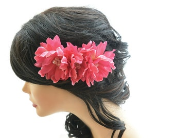 Magenta pink flower comb, floral hair accessory, flower hair fascinator