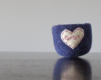 i heart my gran - soft felted wool catch all bowl in blue with heart- mothers day gift - gifts for grandma - embroidered bowl by theFelterie
