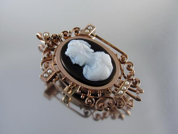 Antique mid Victorian 9ct rose gold sardonyx hardstone cameo seedpearl brooch pin necklace pendant