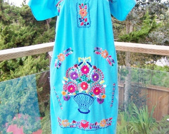 Mexican dress embroidered Turquoise & flowers size S / M