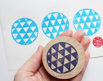 geometric circle stamp. triangle pattern  hand carved rubber stamp. texture stamp. diy gift wrapping. block printing