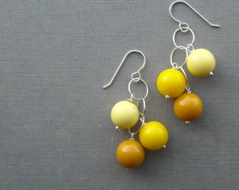 gumball earrings - yellow - vintage lucite and sterling