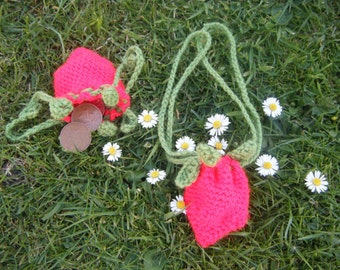 Strawberry Change Purse pattern - simple cute fruit pouch bag wallet easy crochet by Moss Mountain
