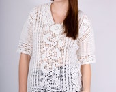 Vintage Handmade Crocheted White Open Knit Sweater with Peter Pan Collar (sz S M)