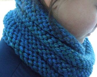 Hand Knit Cowl Infinity Scarf, BOSSO - BLUEBERRY Ribbed Neckwarmer (961)