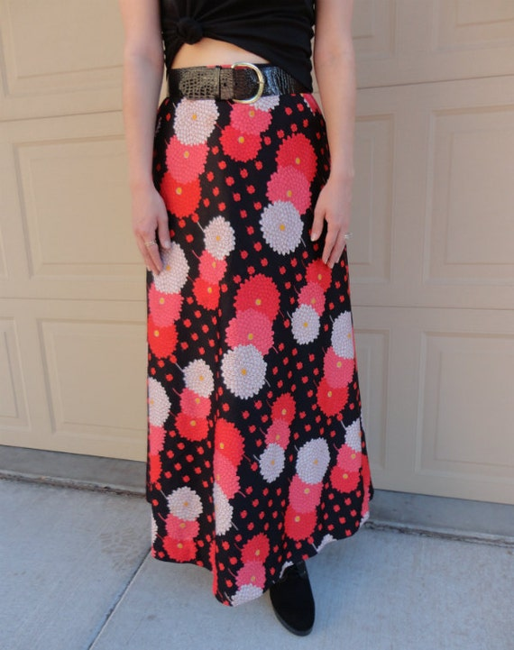 70's Maxi Skirt Floral Print Vintage Casual Long Pink Red and Black Epsteam