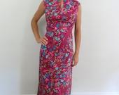 1970s Maxi Dress ... Vintage 70s Cotton Floral Maxi Dress .. Size Large